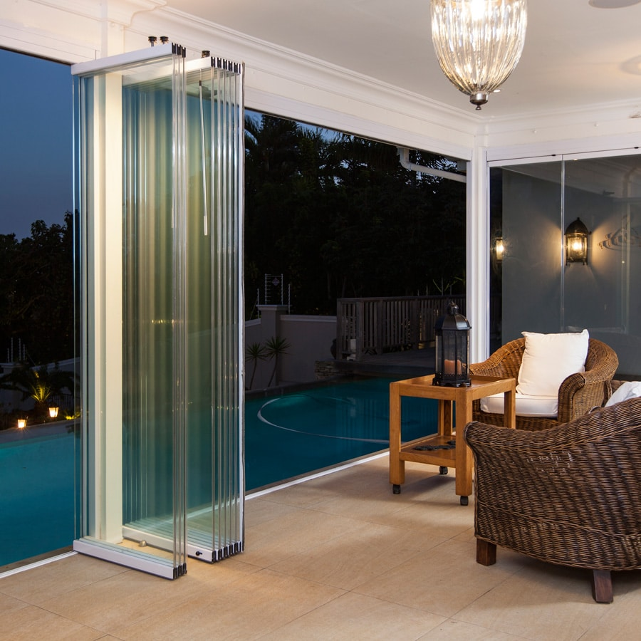 Sunflex SF25 frameless glass stacking doors